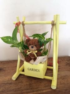 熊と植物の贈り物
