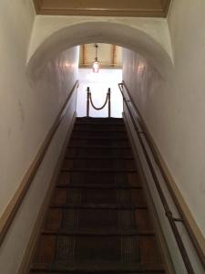旧三笠ホテル 2階へと続く階段