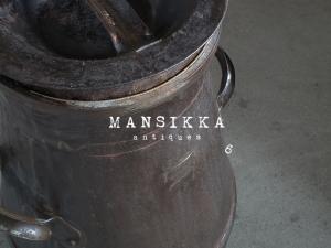 昭和レトロなミルク缶