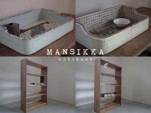 レトロなタイルシンクと木製5段本棚
