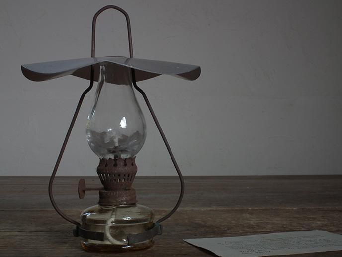 電気を消して幻想的な世界へ。「オイルランプ」の …