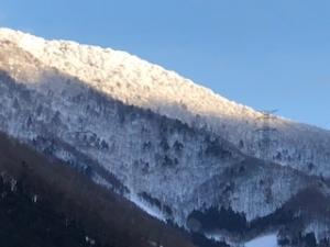 新潟県の雪山景色