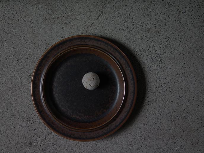 D04685a