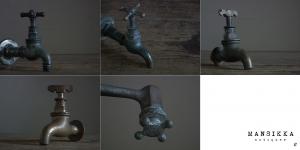 レトロな真鍮製蛇口と衛生水栓