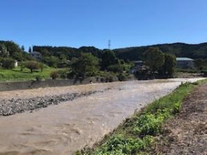 台風後の川の様子