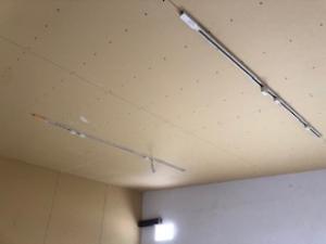 改装中の天井