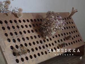 レトロな木製試験管ホルダー