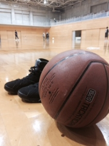 日高アリーナでバスケットボール
