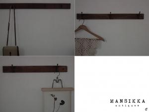 木製の古い壁付けハンガーフック
