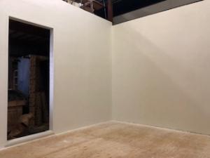 撮影部屋の塗装が完了